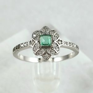 Antique Style Sterling Natural Emerald Ring